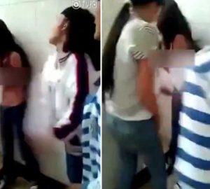 女生厕所内遭扒光上衣殴打,几名女生轮流扇耳光