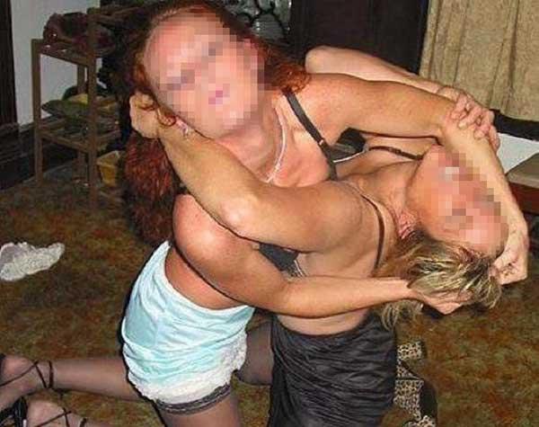美女打架相当暴力