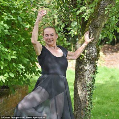 英国最老的芭蕾舞者,71岁跳芭蕾