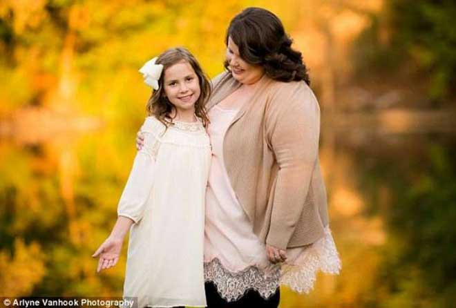 母亲之爱:聪明的妈妈教导女儿谨言慎行