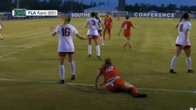 足球女运动员丁字裤系带