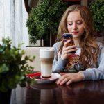 年轻的网络用户正在忽略付费与自然搜索结果